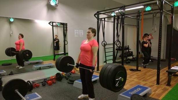 Vilinä veti normitangolla 100kg!